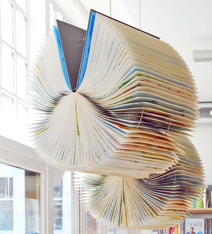 v&d leiden book lamp