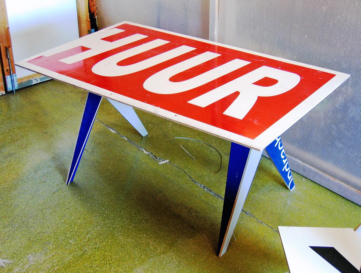 Typo Table