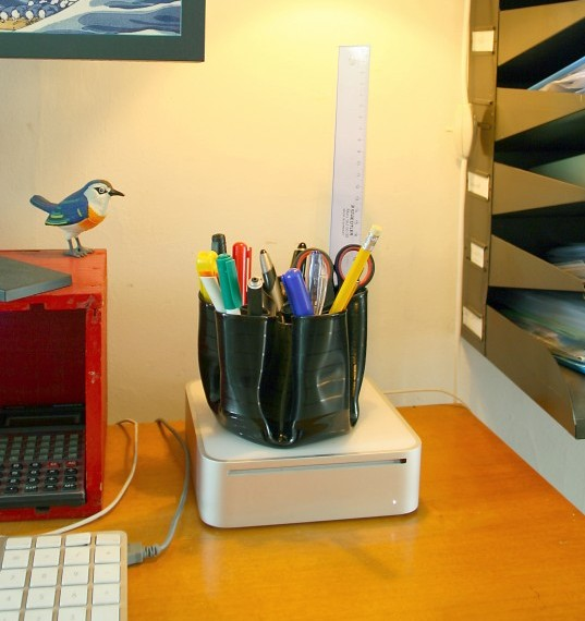 Penman recycled vinyl record pen holder