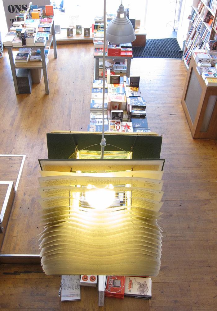 Boek lamp Van Gennep Bookshop Rotterdam
