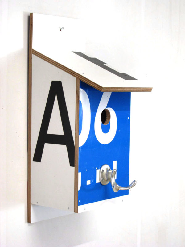 Billbirdhouse Black, White & Blue recycle design