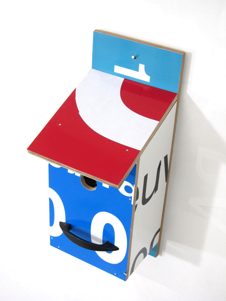 Billbirdhouse Red & Blue & White recycle design