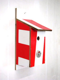Billbirdhouse White & Red recycle design