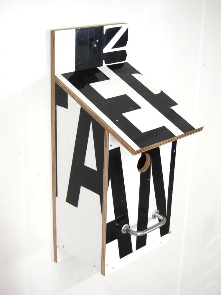 Billbirdhouse Black & White recycle design