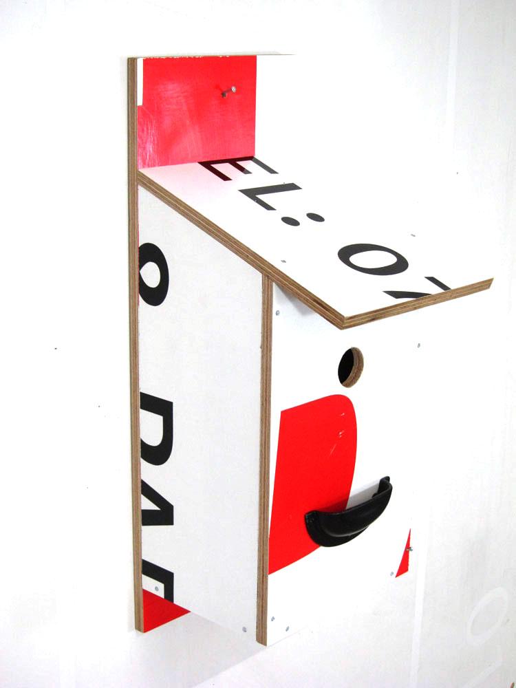 Billbirdhouse Red, White & Black recycle design