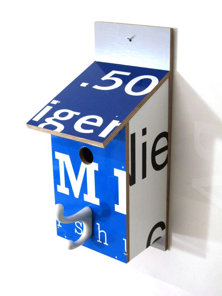 Billbirdhouse White, Black & Blue recycle design