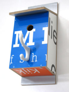 Billbirdhouse White, Black & Blue recycle design